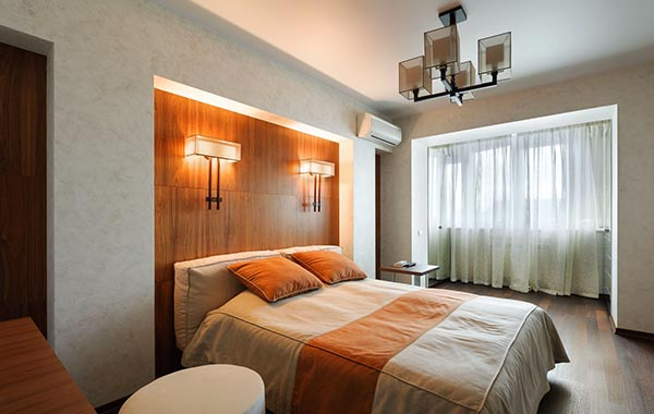 светильники бра в интерьере спальни